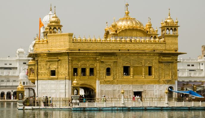 GOLDEN TEMPLE, AMRITSAR Top most popular Historical places in the world 2018