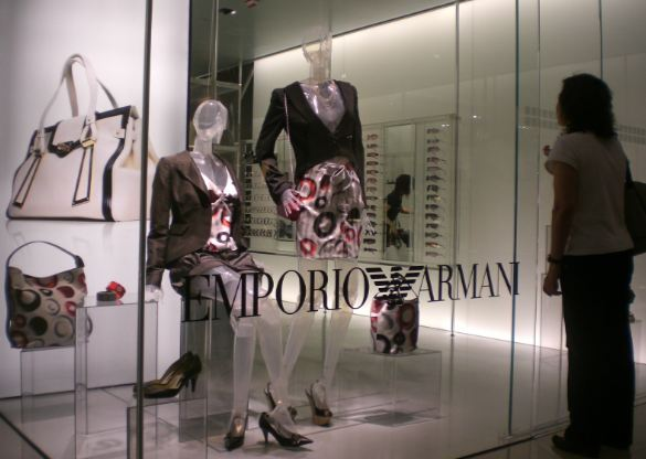 armani-top-best-clothing-brands-in-the-world-2017