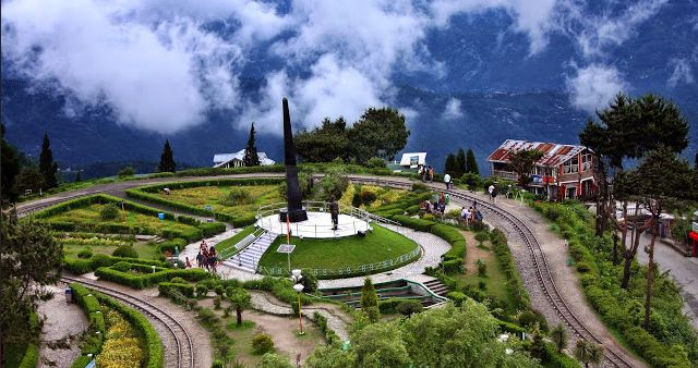 darjeeling, Top 10 Best Holiday Destinations in India 2018