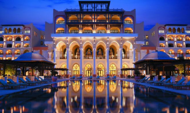 emirates-palace-top-most-popular-luxurious-hotels-in-the-world-2018