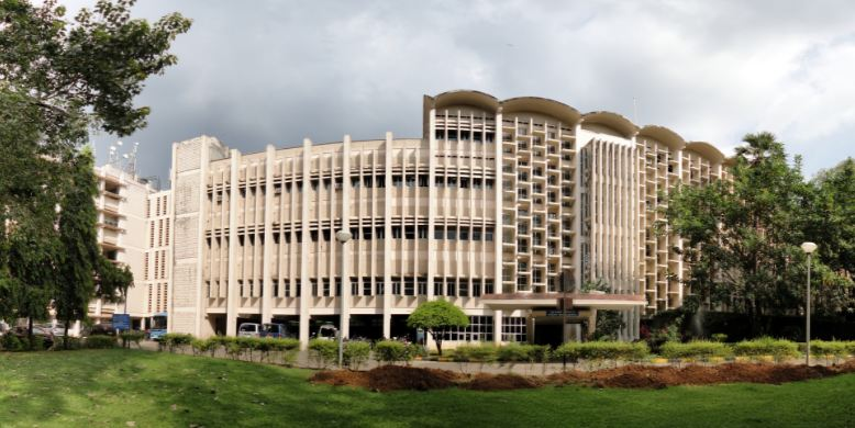 indian-institute-of-technology-bombay-largest-universities-in-india-2018