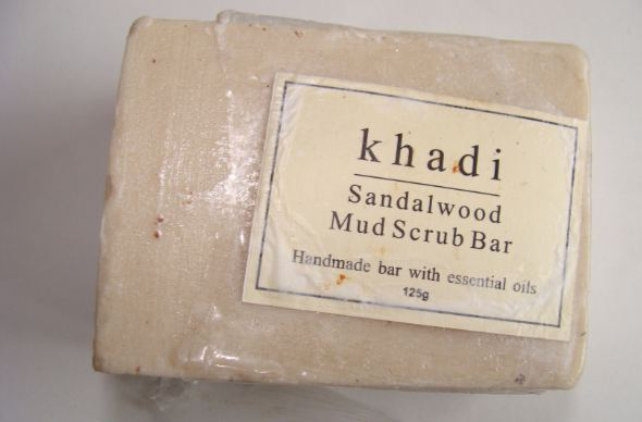 khadi-sandalwood-mud-scrub-bar