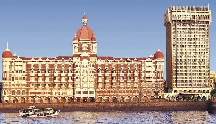 taj-mahal-palace-and-tower-mumbai-top-best-luxurious-hotels-in-india-2018