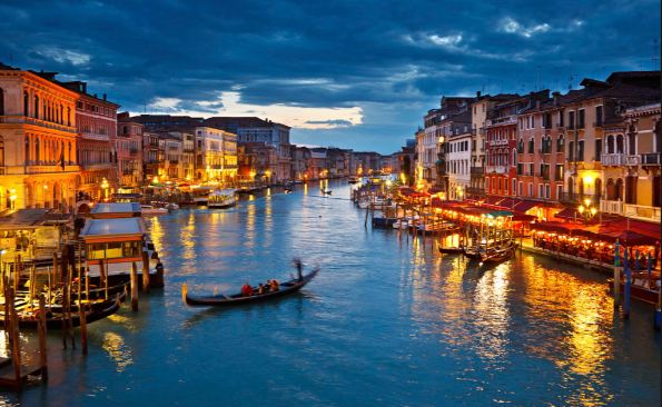 venice-and-its-lagoon-italy-top-best-beautiful-historical-places-in-the-world-2018