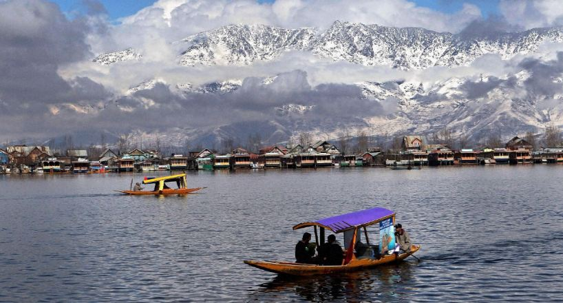 Dal Lake, Kashmir Top 10 Places To Visit In India 2017