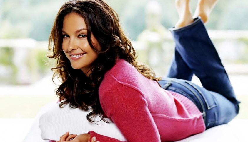 ashley-judd-top-10-sexiest-older-actresses-in-the-world-2017