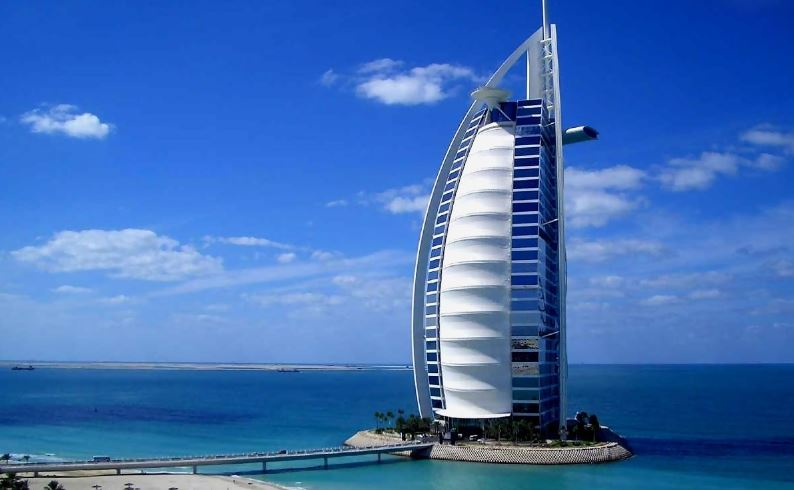 Burj Al Arab Dubai At 17 500 Per Night Top 10 Most Expensive Hotels In The