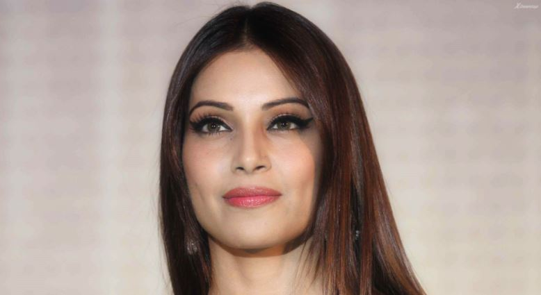 Bipasha Basu Top Most Famous Beautiful Eyes in Bollywood 2018
