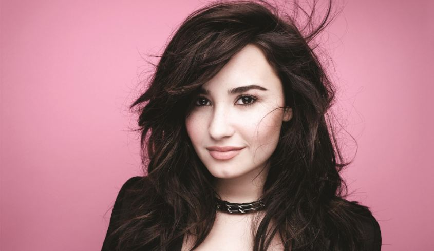 demi-lovato-top-10-hottest-disney-actresses