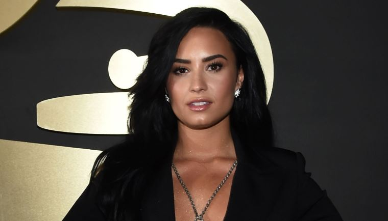 demi-lovato-top-most-popular-beautiful-girls-2018