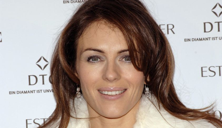 elizabeth hurley, Top 10 Sexiest Older Actresses in The World 2018