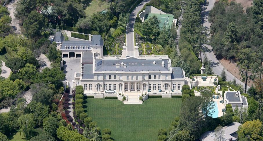 fleur de lys is one of the greatest houses on the planet and it is arranged in holmby hills los angels california the house covers the range of 35046 - Biggest House In The World 2017