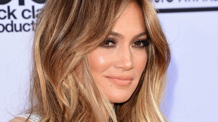 jennifer-lopez-top-popular-highest-paid-and-successful-hollywood-singers-2018