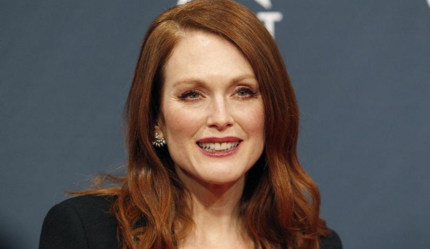 julianne-moore-top-10-sexiest-older-actresses-in-the-world