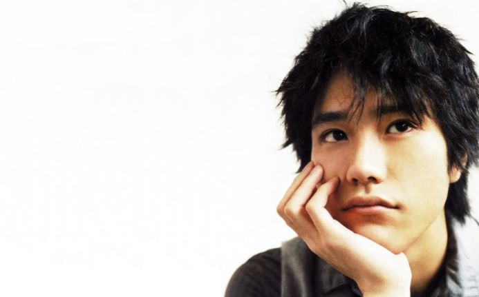 kenichi-matsuyama-top-most-popular-beautiful-japanese-actors-2018