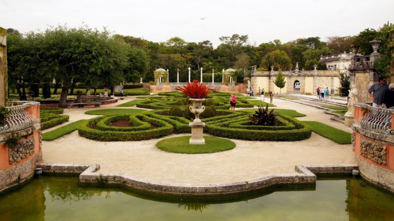 vizcaya-museum-and-gardens-in-miami-florida