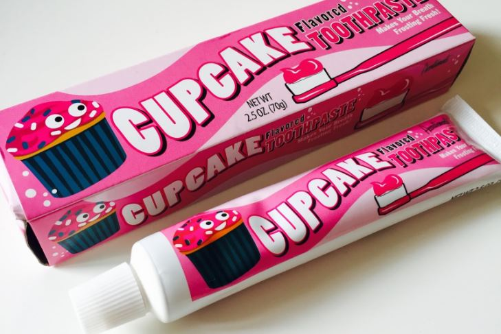cupcake-top-famous-toothpaste-flavors-2019