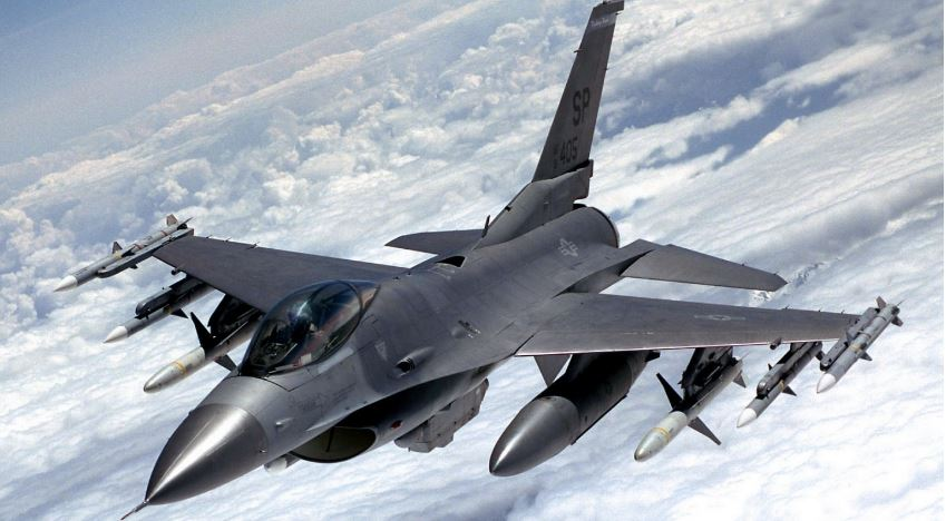 F-16 Fighting Falcon (USA) Top Famous Military Fighter Planes Ever 2019