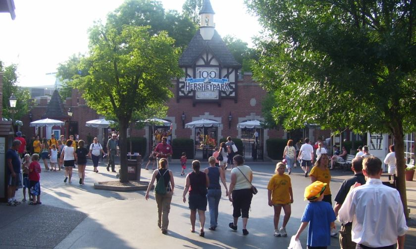 hersheypark-top-popular-themes-amusement-park-companies-in-the-world-2019