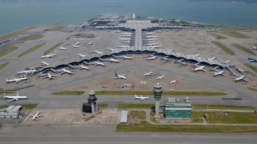 hong-kong-international-airport-top-most-famous-airports-in-the-world-2018