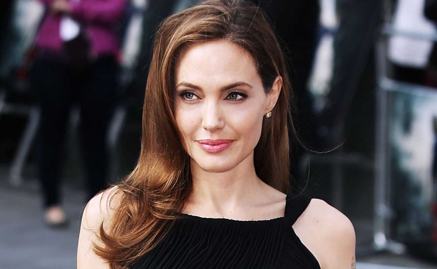Angelina Jolie Top Most Hottest Female Screensaver Models 2017