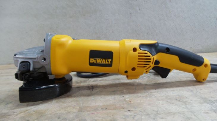 DEWALT D28115 Top Most Famous Selling Angle Grinders in 2018